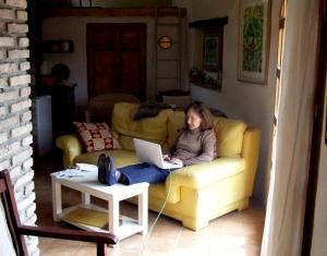 Nancy Tomasetti working in El Gallinero