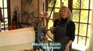 Anglo-Hispano master printmaker, Maureen Booth, in her Granada Studio